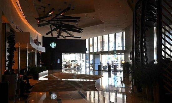 Vdara Hotel & Spa: Lobby