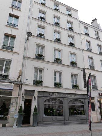 Hotel du Champ de Mars: The hotel front