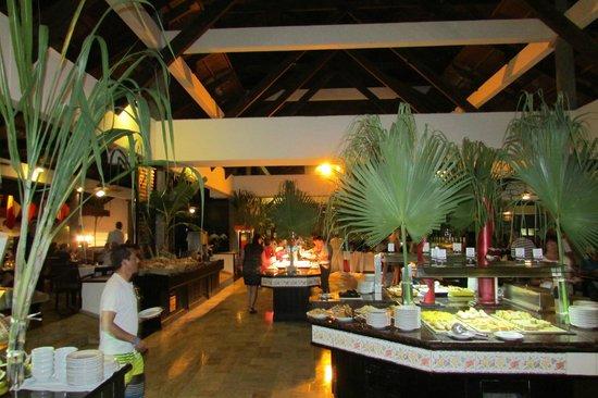 Bavaro Princess All Suites Resort, Spa & Casino: Buffet