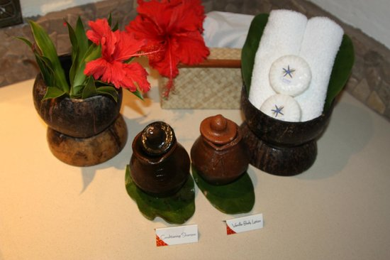 Castaway Island Fiji: Beautiful touches in the bathroom