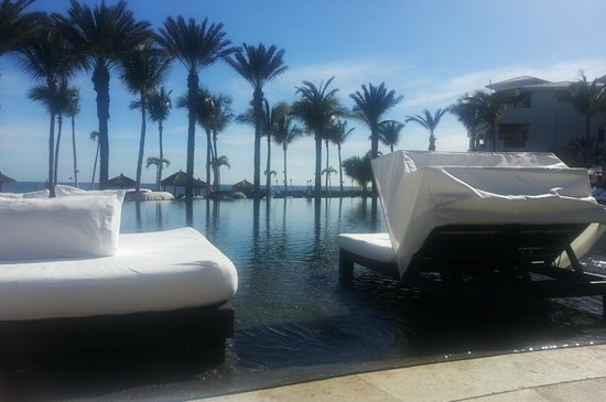 """Cabo Azul Resort: The """"cold"""" pool with double lounges"""