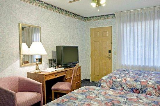 Americas Best Value Inn-Tahoe City/Lake Tahoe: 2 Double Beds Room