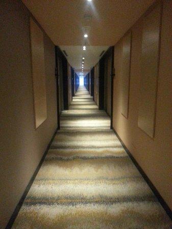 Lorong Kamar Picture Of Swiss Belhotel Cirebon Cirebon Tripadvisor