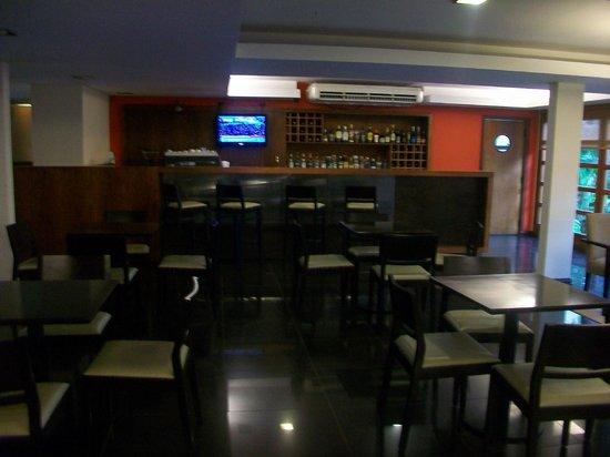 Hotel Saint George: Bar interno