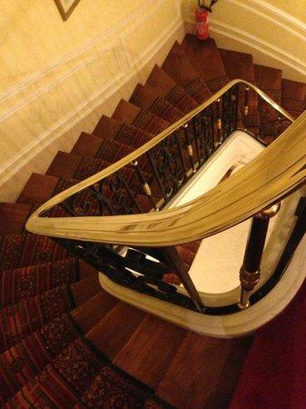 Hôtel Franklin D. Roosevelt: stairwell