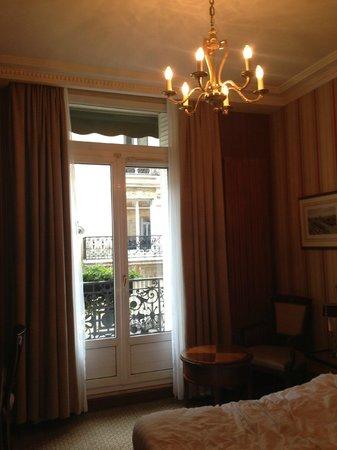 Hôtel Franklin D. Roosevelt: Our room