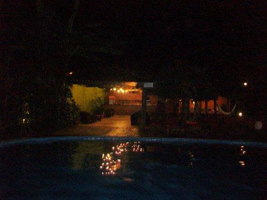 Hotel Saint George: piscina de noche