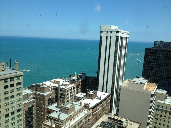 Hilton Chicago/Magnificent Mile Suites: The view from our room at the Hilton