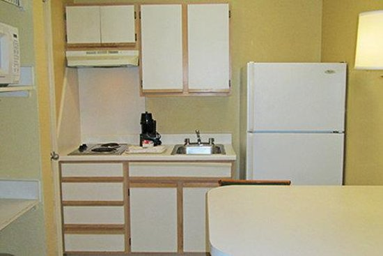 Extended Stay America - Fort Worth - Medical Center: Fully-Equipped Kitchens