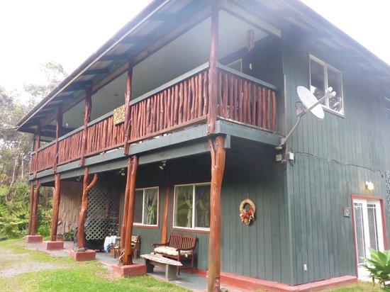 Aloha Crater Lodge : 客室の建物