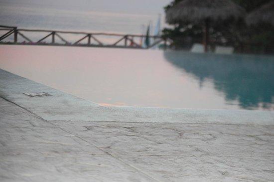 The Royal Suites Punta de Mita by Palladium: Infinity pool