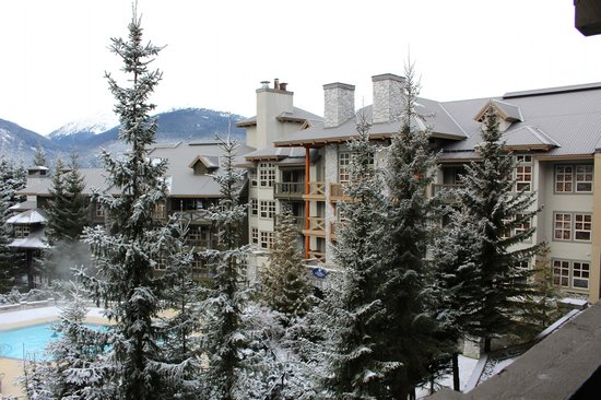 Coast Blackcomb Suites at Whistler : View from our room