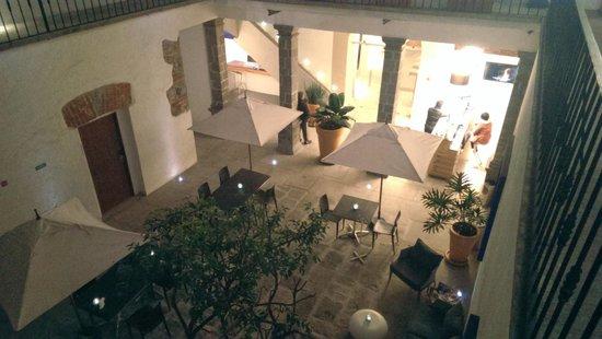 Descansería Hotel Business and Pleasure : center courtyard