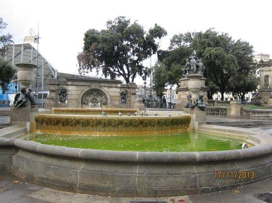 Plaza de Cataluña: At the square