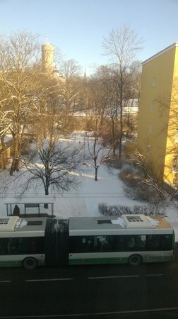 L'Ermitage Hotel: вид из окна