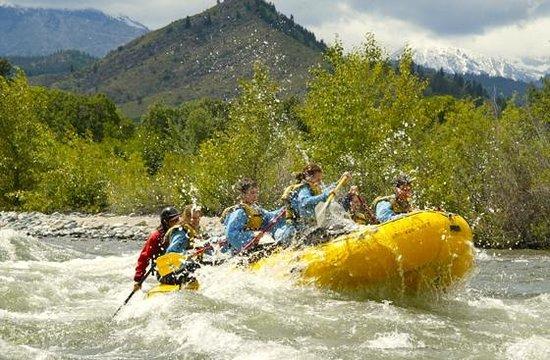 Alpine Adventures: Wenatchee River class 3 rafting in Leavenworth, WA.