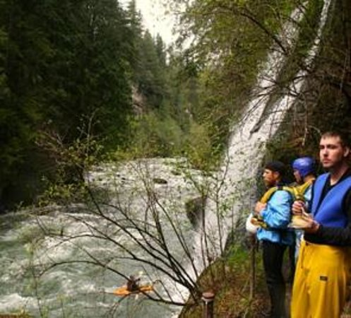 Alpine Adventures : Green River Paradise falls lunch