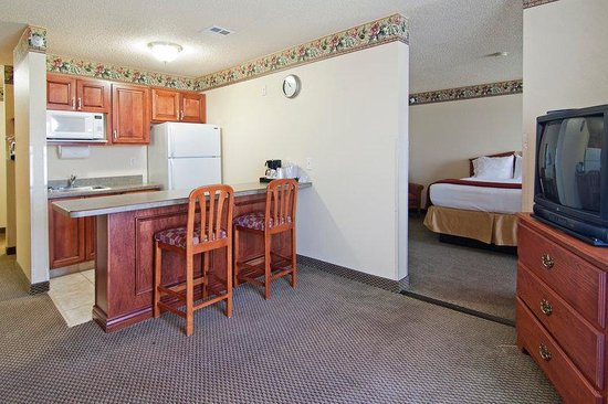 Comfort Inn & Suites: Double Queen Beds Suite
