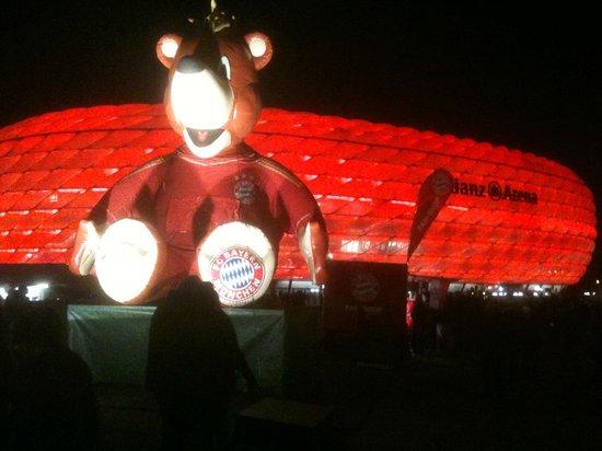 Allianz Arena: ---