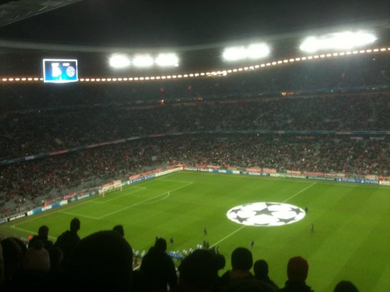 Allianz Arena: --