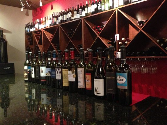 Wines of Nolan Creek : The bar