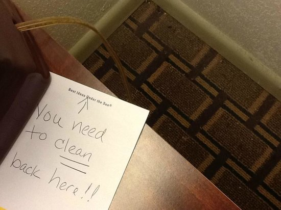Days Inn Natchez: Nightstand note