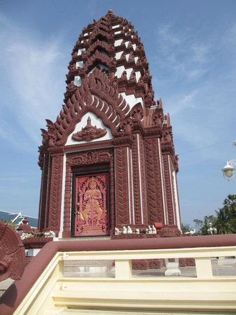 City Pillar Shrine - Prachuap Kiri Khan