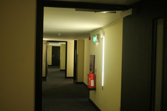 Central Park Hotel : Corridor view
