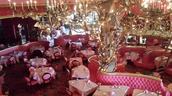 Madonna Inn : Dining room