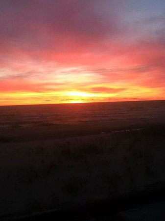 East Coast Shores Resort: Sunrise