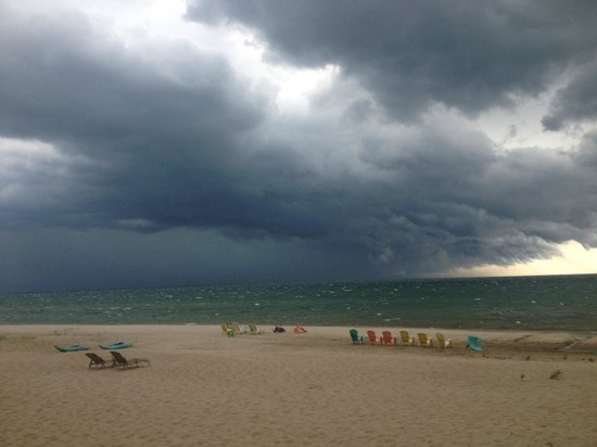 East Coast Shores Resort: Calm befor the storm