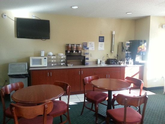 Microtel Inn & Suites by Wyndham Thomasville/High Point/Lexi: Our Conveniences Include: