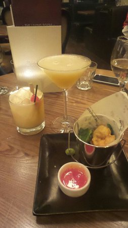 The Living Room: Tanqueray sour and key lime pie cicktails!