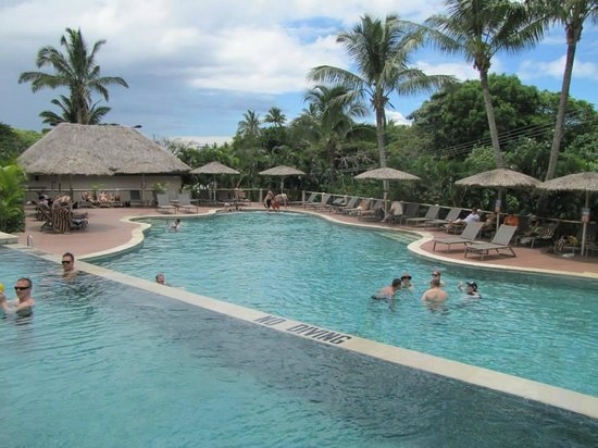 Outrigger Fiji Beach Resort : Adults only pool/bar