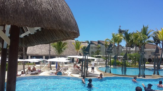 Ambre Resort & Spa: The Pool