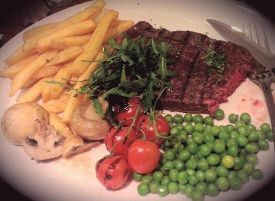 Mosset Tavern: Rump steak
