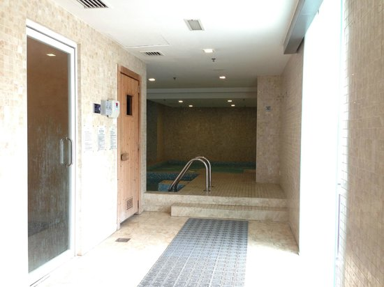Fraser Place Kuala Lumpur : Sauna, Steam & Jacuzzi in Male Changing Room