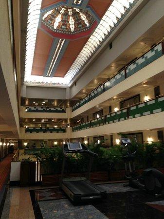 Le Meridien Bangalore : Interior View