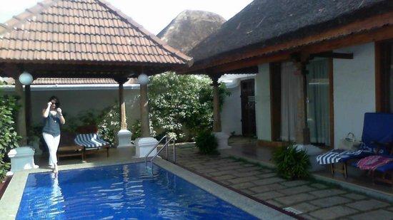 Pool villa picture of le pondy pondicherry tripadvisor for Villas in pondicherry with swimming pool