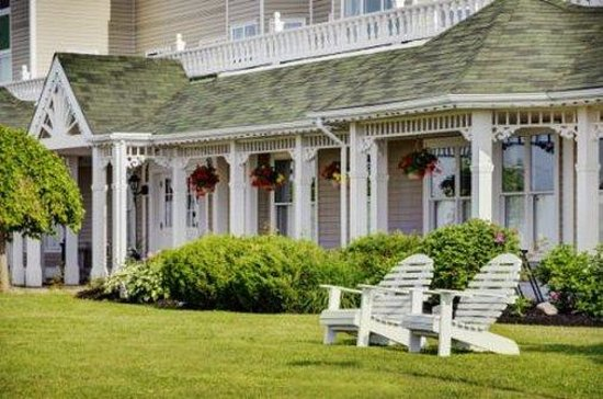 Loyalist Lakeview Resort Summerside: Artistic