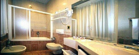 Photo of Mokinba Hotel Montebianco Milan