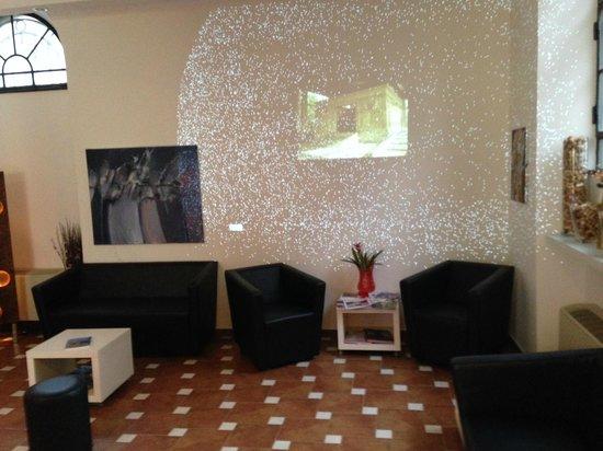 Hearth Hotel: lobby 2