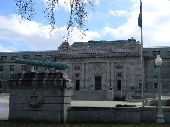 U.S. Naval Academy : Bancroft Hall