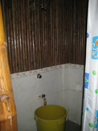 casa fidelis bathroom