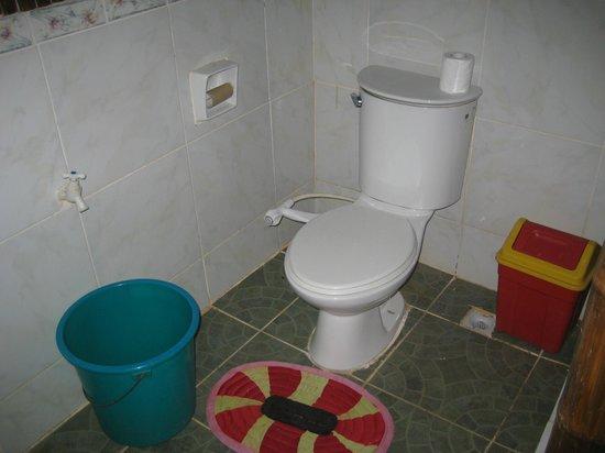 casa fidelis bathroom BYO loo paper