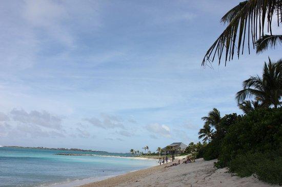 Hotel Riu Palace Paradise Island: Подальше от отеля 15 минут ходьбы