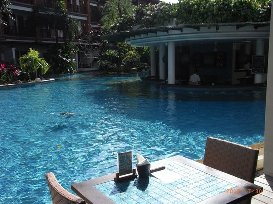 Padma Resort Legian : プールバー
