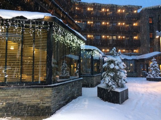Hotel Piolets Park & Spa : Yes, it snowed :)