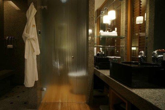 Mandarin Oriental, Tokyo: バスルーム