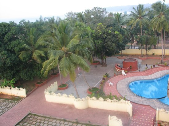 Sterling Karwar: Pool View